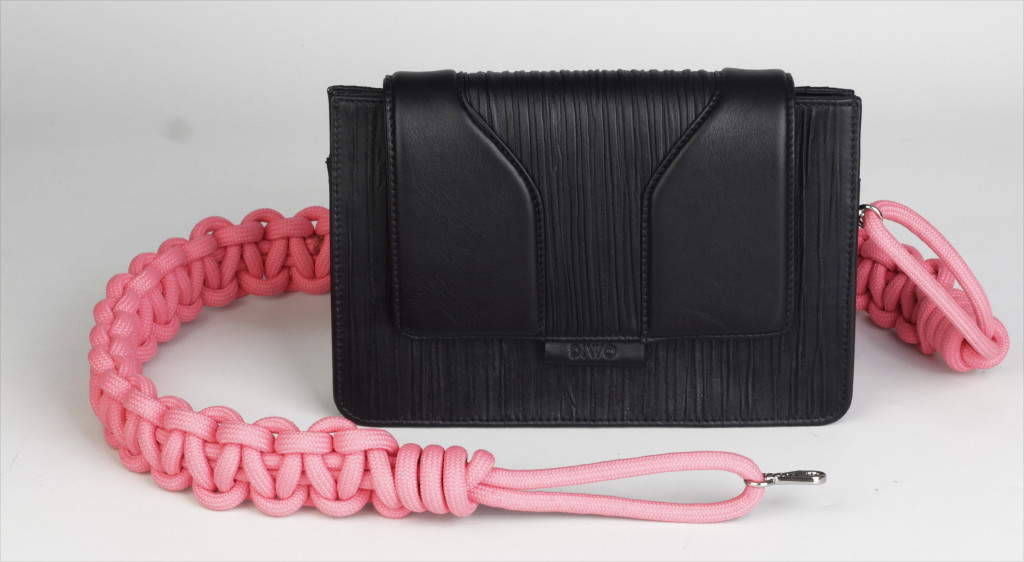 Bolsa CLEO PLISS ALL BLACK R$729,00